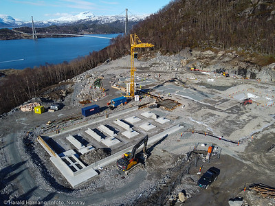 Narvik nye sykehus på Furumoen. Bak Hålogalandsbrua. Foto 10. mai 2021.