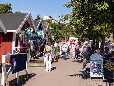 Försäljning i de röda husen i Hamnen