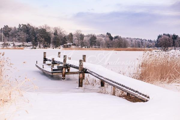 Snö på bryggan