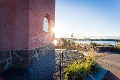 Nynäshamns kyrka i soluppgången