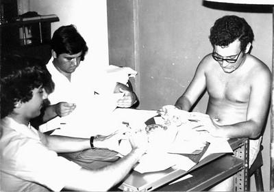Victor Valente, Carlos Aires Marques e Ze' To' Canhao Veloso, estudando em Luanda