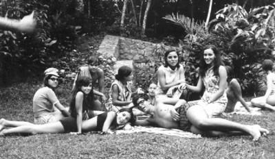 Bela e Lita Rios, Paulo Mariano Dores, Nanda Virgilio, Linda Madureira, Lisa Teixeira, Augusta Madureira Zelinha Adalberto e Mário Santos David