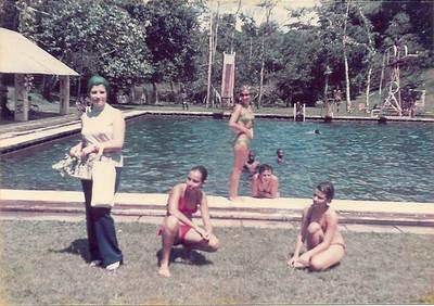 1975 - Piscina Dundo São Gameiro, Jú Prudente e Zezinha Gameiro