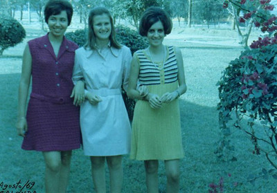 Calonda - Agosto 1969   Misita Melo Abreu, Nany Tavares e Nanda Ferreira da silva