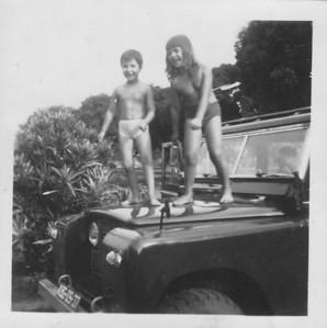 ?, e Ana Maria Josefa num Land Rover