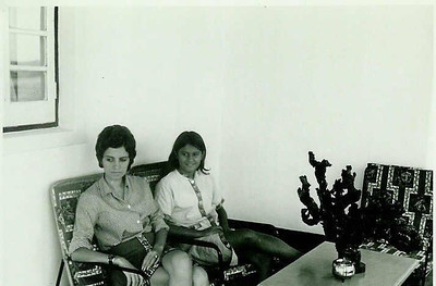 Nanda Ferreira da Silva e Paula Pinho Barros