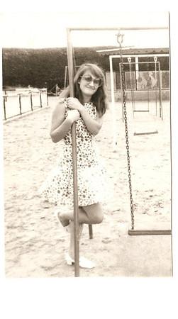 Andrada 1969 Elza nos baloicos