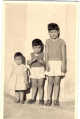 Manos: Luisa, Luis e Ricardo Aragao e Brito