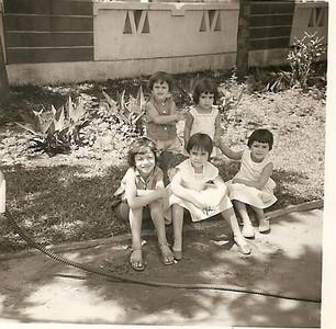 Lili Caceiro, Isabella Mendonca, Isabel Caceiro, ? Fatinha Mendonca?