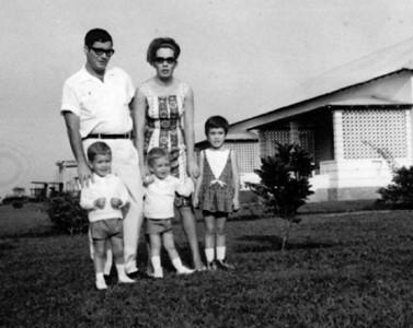 Familia Gustavo da Fonseca: Gustavo Fonseca e Maria Cândida Fonseca,e filhos:Isabel, Jorge e João