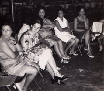 Festa na Estufa de Andrada ...?...?...? sra do Figueiredo ( a' direita)