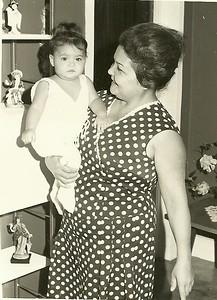 """Bina """" Alfredo Pereira"""" com a neta Vanessa filha do Carlos"""