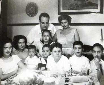 Henrique Rodrigues e Maria Helena, Carmencita, Carolina Medeiros e filho Nuno