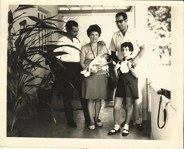 Familia  Patuleia, com um primo