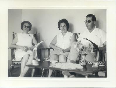 Sra de Dr. Saramago e casal Dr. João Novo