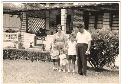 Casa na Rua dos Cavalos Cesaltina  José Pinto Licino, Luis e o José Joaquim