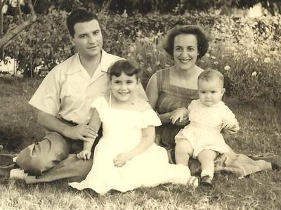 Casal Mendonca e filhos Janeca e Ze' Joao