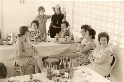 Candida Pontes, Misita, Ester, sra do Gustavo da Fonseca, sra do  Humberto Sousa, Luz Belchior, Branca Miranda Relvas, e...