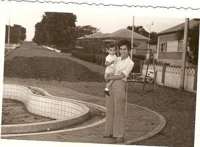 Luz, e filho em Maludi