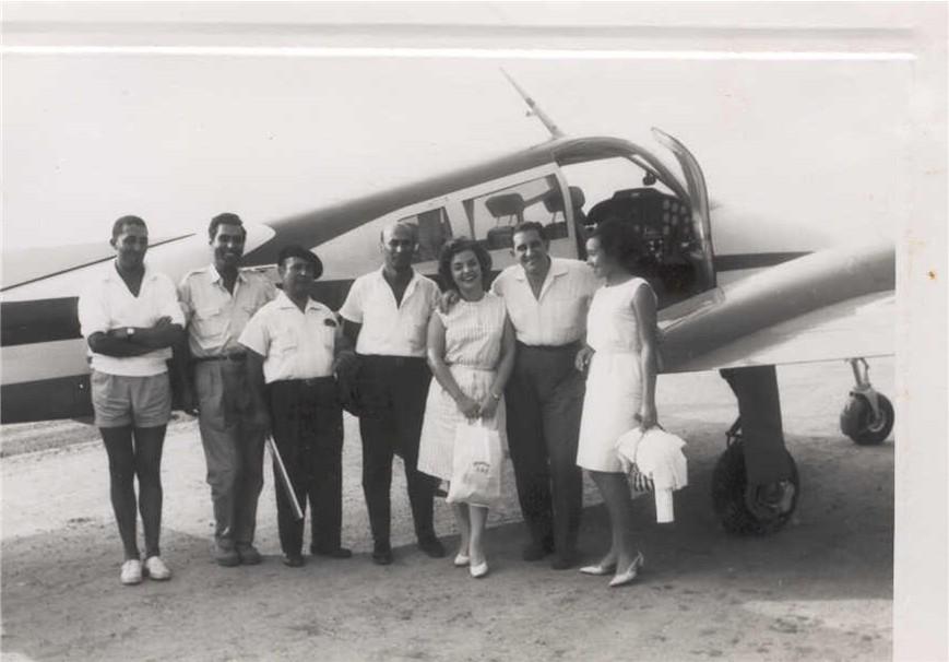 Cessna 310  (passaro azul)  ?, Ricardo Figueiredo, ?, Valente, Casal Santos David e Zizi Valente
