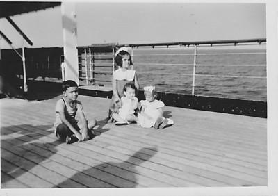 Vera Cruz, Maio 1958 viagem para Lisboa Teresa Fontinhas, Nany Tavares e....?