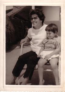 Viagem Vera Cruz -  Agosto 1960  Esperanca Josefa e filha Ana Maria
