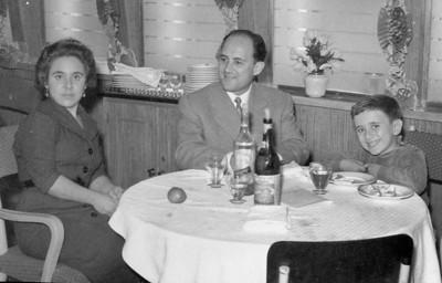 Viagem no Uige 1958  Vasco Sá e família