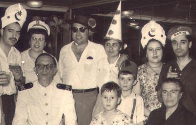 A Bordo do Patria 1956 - Passagem do Equador  Casal Martins,Casal Martinhos, Vicky, Carlos Martinho, ?