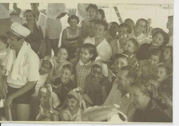 1950 - Passagem do Equador - viagem para Angola  Maria Amélia Mendonça e os condes de Barcelona ( á direita)