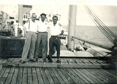Julho, 1956, Paquete Império  Max, Portela e Henrique Machado