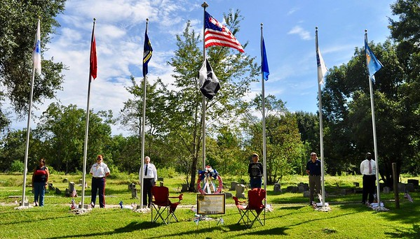 Sept 10, 2018 - Plaque unveiling and Flag Pole Dedication - Shirley Knight, Libby Davis, Chaplain Jim Gabel MPD, Neil Bruyn USAF, III Eng Terrell Scott USMMa