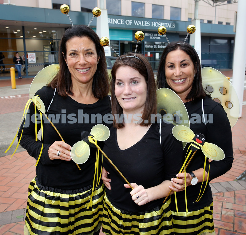 OBK Bee Volunteers at Prince Of Wales Hospital. Pic Noel Kessel. (from left) Lisa Stein, Emily Koltai, Vanessa Koltai. Pic Noel Kessel.