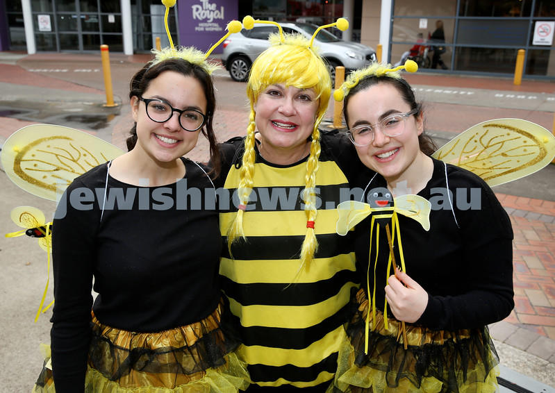OBK Bee Volunteers at Prince Of Wales Hospital. (from left) Chana, Laya, Shaina Slavin.Pic Noel Kessel.
