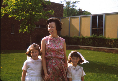 Molly, Therese (mother) and Josie O'Brien