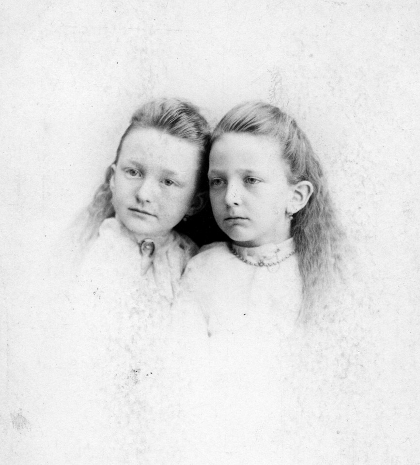 Agnes & Coentha O'Brien with one set of earings