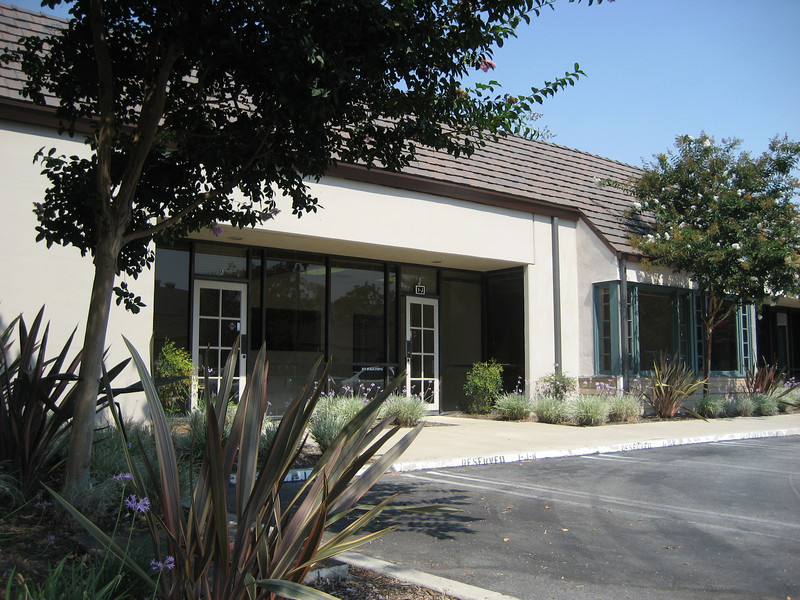 Sirco Irvine Business Park.  R&D office warehouse condo for sale / for lease.  Divisible condo into 2 units 3,216 total square feet.