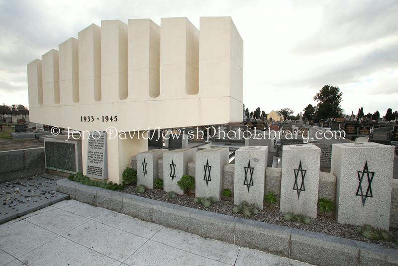 AU 4366  Holocaust memorial