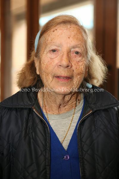 NZ 1672  Rebecca Murray, long-time community member (originally from Australia)