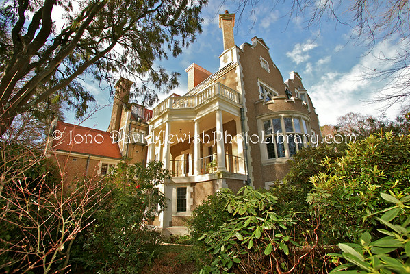 NEW ZEALAND, Dunedin. Olveston House, home of  David and Marie Theomin, and children Edward and Dorothy. (8.2010)