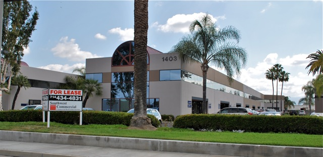 BATAVIA BUSINESS CENTER<br /> Orange CA.<br /> High image business park centrally located in the Anaheim Stadium Marketplace with immediate access to the 57, 55, 22, 5 and 91 freeways. Industrial units from 1,000 - 5,000 square feet and 100% office suites from 650 - 2,000 square feet (ground floor and 2nd floor suites). <br /> Other Features include:<br /> Warehouse clear height of 24 feet!<br /> 10'x12 and 12'x12' ground level truck doors<br /> 100 amps, 110/208, 3 phase power<br /> Flexible lease terms! with rates starting at $0.80 / sq ft.<br /> NO CAMS or NNN fees!