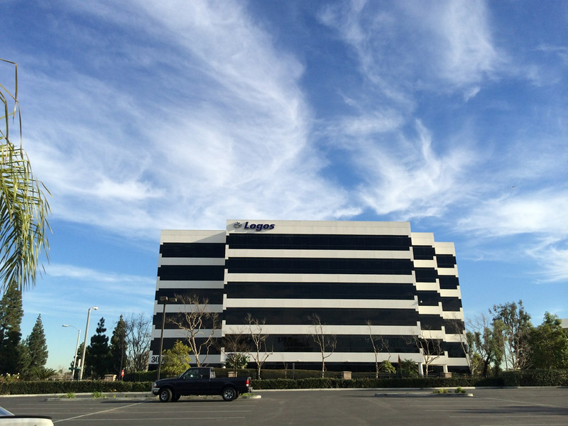 3000 W MacArthur Blvd. Santa Ana - LOGOS building