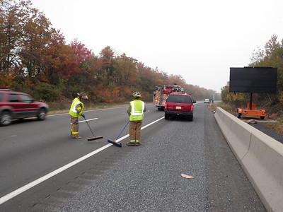 MM 121 INTERSTATE 81 -BUTLER TOWNSHIP VEHICLE ACCIDENT 10-13-2009 PICTURES BY COALREGIONFIRE
