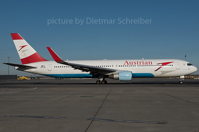 2015-12-30 OE-LAE Boeing 767-300 Austrian Airlines