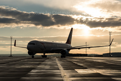 2016-02-05 OE-LAE Boeing 767-300 Austrian Airlines