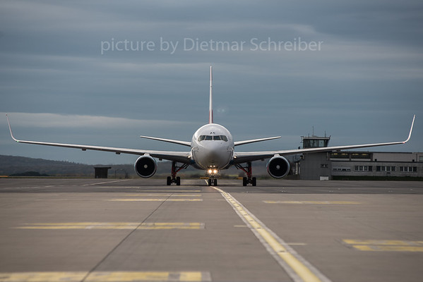 2015-11-10 OE-LAE Boeing 767-300 Austrian Airlines