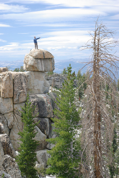 Look, Says David atop of a rock @ Luck Point near the Kaiser Entrance to the Dusy Ershim Trail