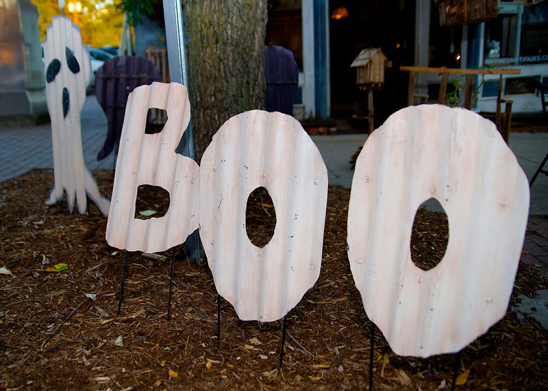 """A sign that says """"BOO"""""""