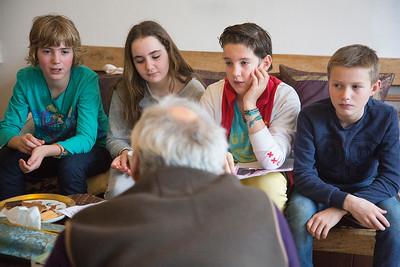 Amsterdam, 13 januari 2015, Oorlog in mijn buurt, interview van leerlingen van de Anne Frankschool met Gerben Hellinga,  foto: Katrien Mulder