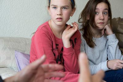 'Oorlog in mijn Buurt', 5 februari 2015, Leerlingen van de Anne Frankschool interviewen Loek Dikker, foto: Katrien Mulder