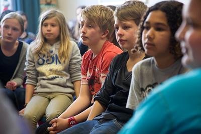 oorlog in mijn buurt, 3 april 2013, gastles van meneer Koot over zijn jeugd als NSB kind, foto: Katrien Mulder